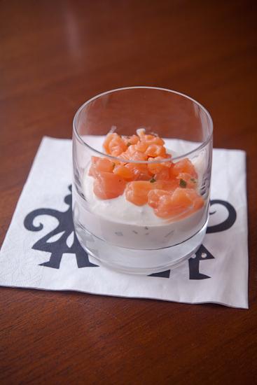 Verrine de ricotta et tartare de saumon à la vodka