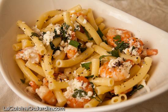 Macaronis aux crevettes et à la ricotta