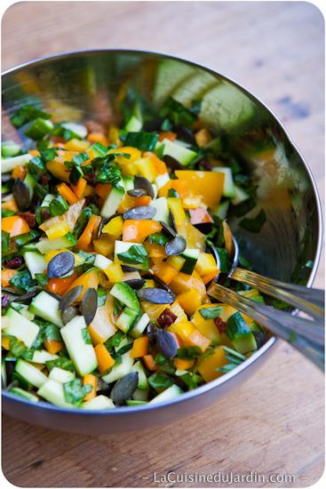 Salade composée à la courgette et au poivron
