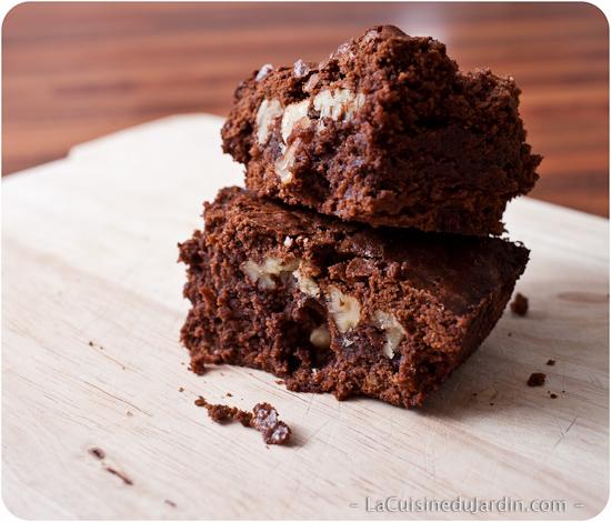 Brownie au chocolat, noix et noix de pécan