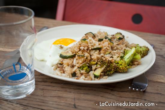 Riz sauté, brocoli et courgette