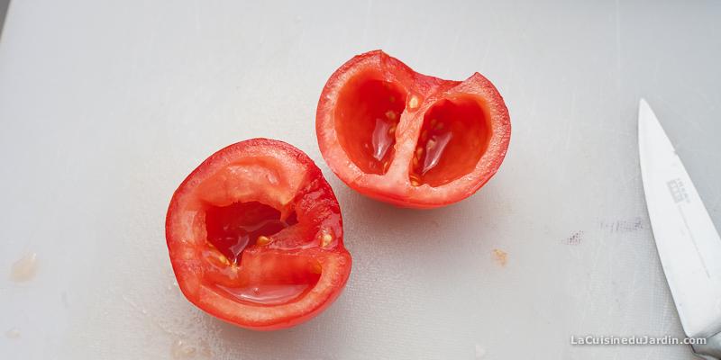 Retirez les pépins des tomates