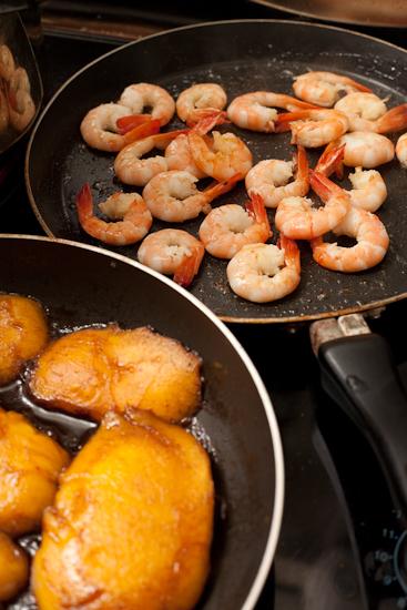 Mangue poêlée au Porto et crevettes grillées à l'absinthe